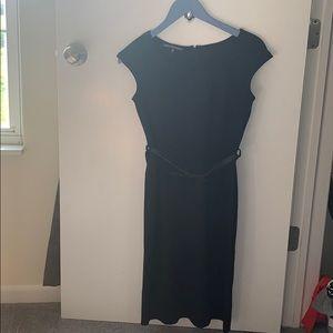 Jones Wear Black short sleeve dress with belt.